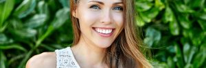 Amazing beautiful woman with perfect smile - close up
